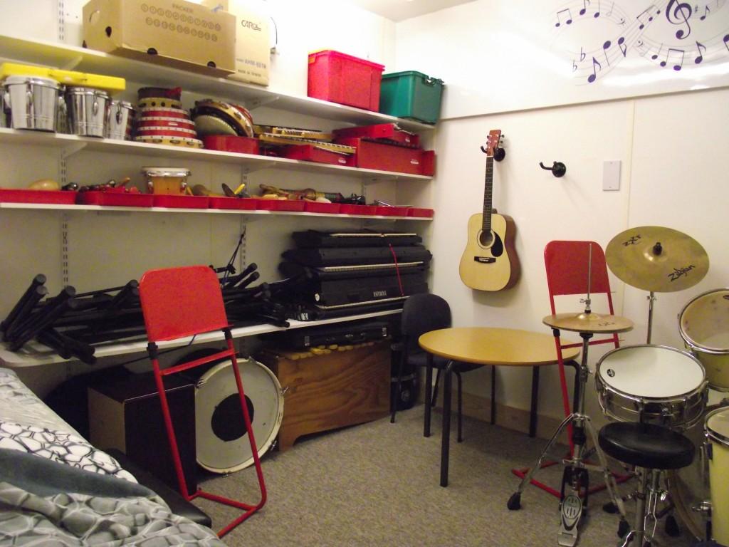 19. Music room